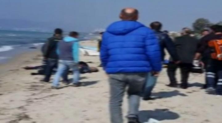 Egede Kaçak Göçmenleri Taşıyan Bot Battı
