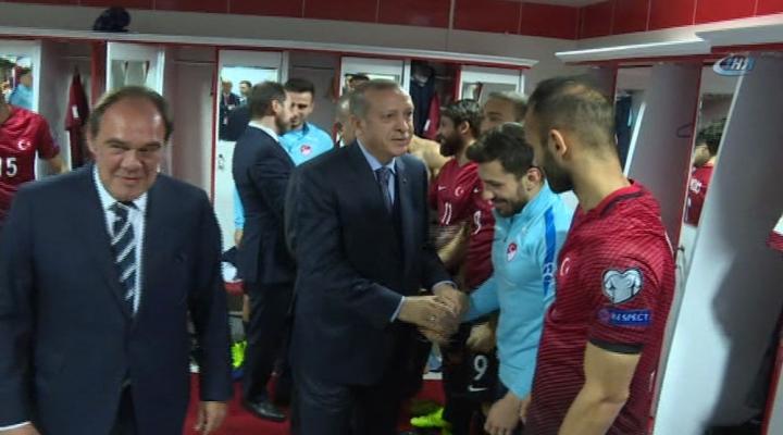 Cumhurbaşkanı Erdoğandan A Millilere Sürpriz Ziyaret