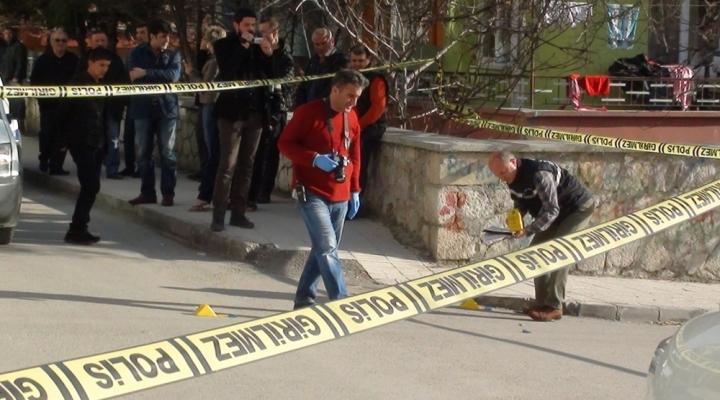 Sokak Ortasında Silahlı Kavga: 12 Yaralı