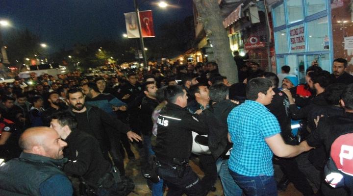 Polise Saldıran 2 Kişiye Linç Girişimi