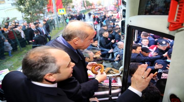 Cumhurbaşkanı Erdoğana  Simit İkram Edildi