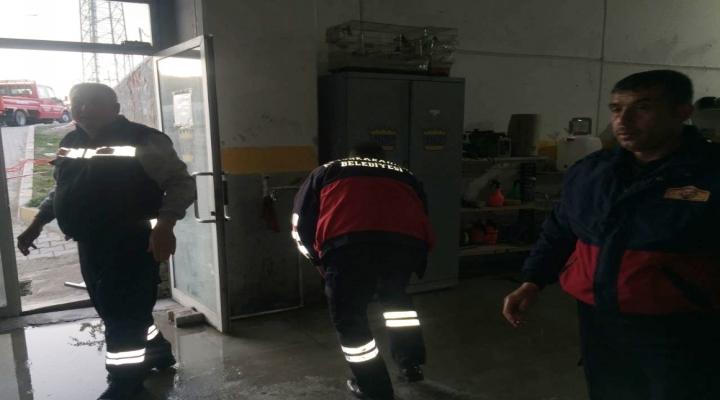 Su Tahliye Motorundan Sızan Gazdan 14 Kişi Zehirlendi