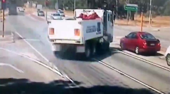 Trafikte Tehlikeli Şov !