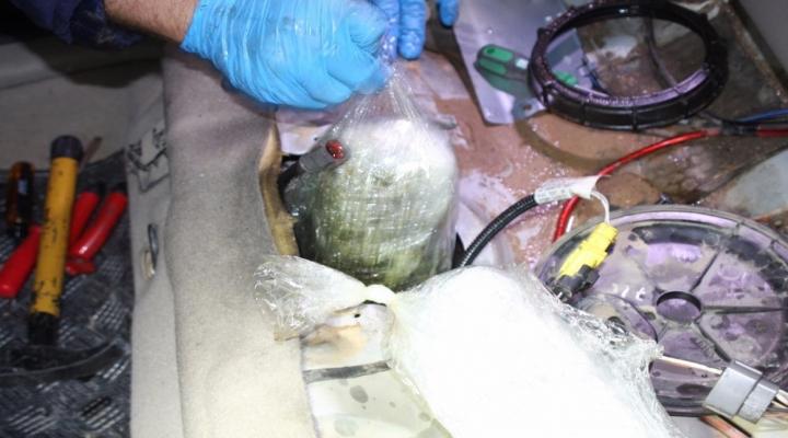 Yakıt Deposundan 8 Kilo Uyuşturucu Çıktı