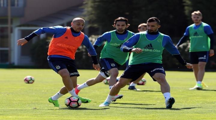 Fenerbahçede Karabükspor Mesaisi Devam Ediyor