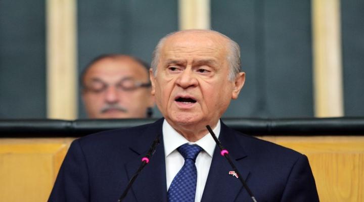 Mhp Lideri Bahçeliden Bayrak Tepkisi