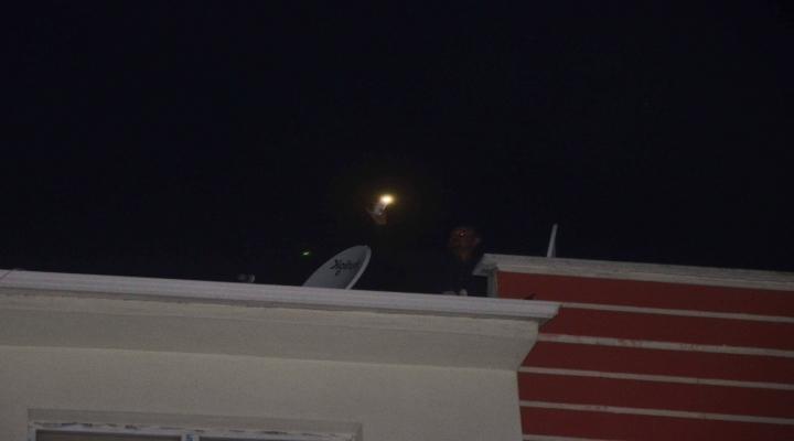 Polis Tacizciyi Çatıda Yakaladı