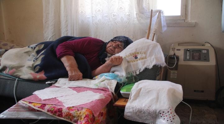 Faturasını Ödeyemeyen Yaşlı Kadının Hayatı Elektriğe Bağlı