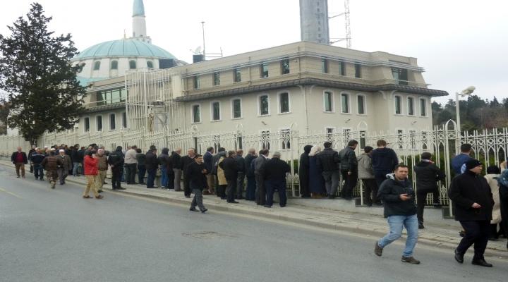 Cumhurbaşkanı Cuma Namazını Çilehane Camiiinde Kıldı