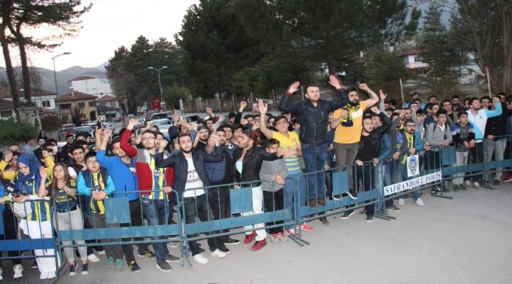 Fenerbahçeye Protestolu Karşılama