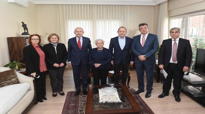 Kılıçdaroğlu, Celal Bayarın Kızı Nilüfer Gürsoyu Ziyaret Etti