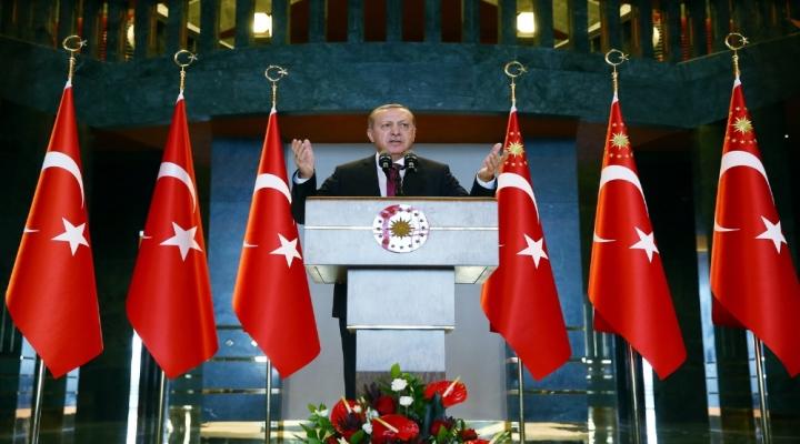 Erdoğandan Milli Eskrimci Acara Tebrik