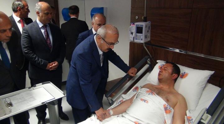 Bakan Elvan Yaralı Polisleri Ziyaret Etti