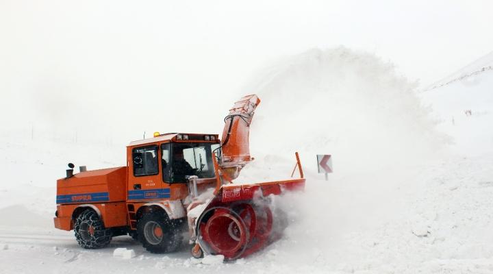 Akdenizde Deniz Keyfi, Erzurumda Karla Mücadele