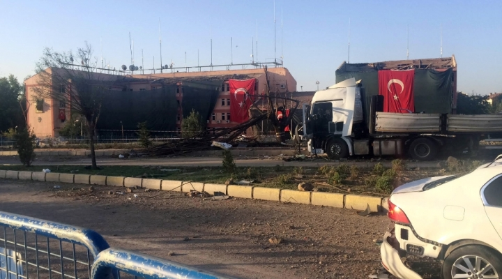 Elazığ Emniyetine Bombalı Araçla Saldıran 2 Terörist Yakalandı