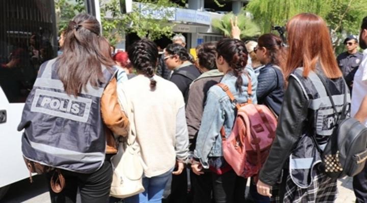 İzmirde Eylem Hazırlığında Olan 11 Kişi Adliyeye Sevk Adildi