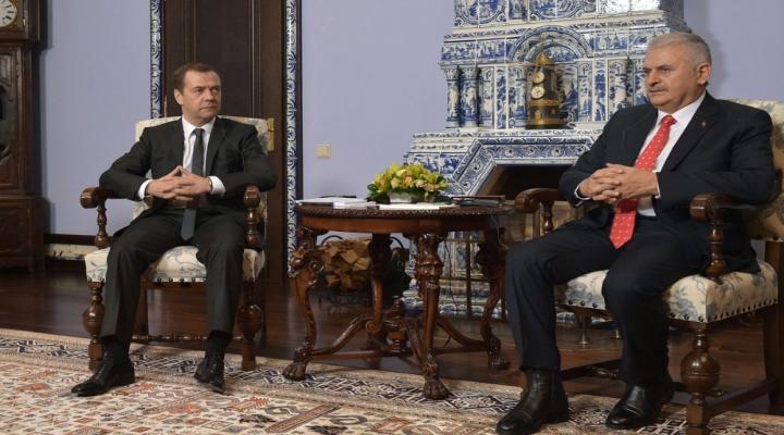 Medvedeve Taziye Telefonu