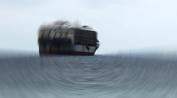 Korsanlar Hint Ticaret Gemisini Kaçırdı
