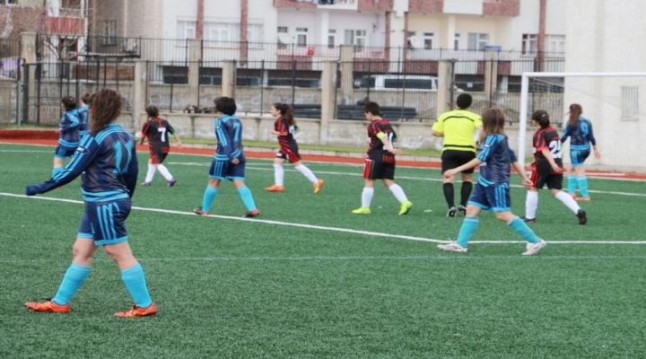 Kadınlar Futbol Maçında Kavga Çıktı