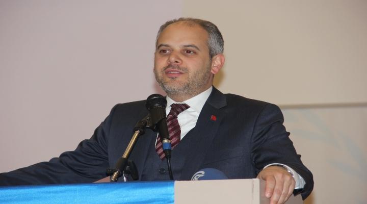 Bakandan Göztepe Ve Karşıyaka Statlarına İlişkin Açıklama
