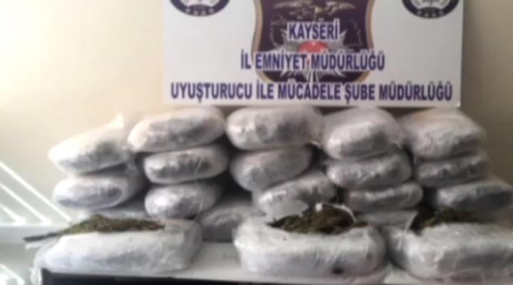 Kamyonetin Zulasından 66 Kilo Esrar Çıktı