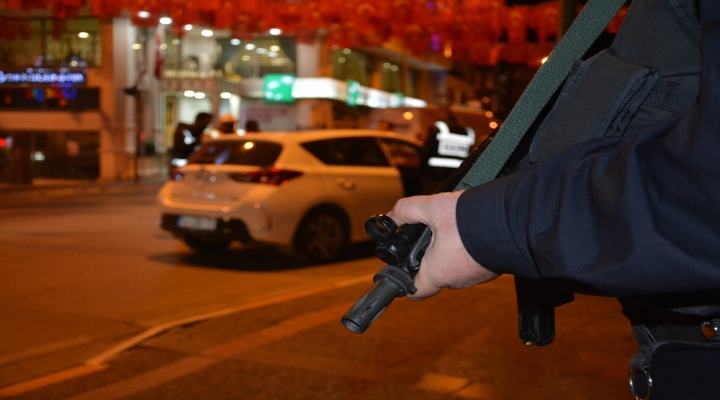 Bin 317 Kişi Yakalandı, 496 Gözaltı