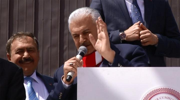 Kılıçdaroğlunun 82 Model Arabası Bir İşe Yaramıyor