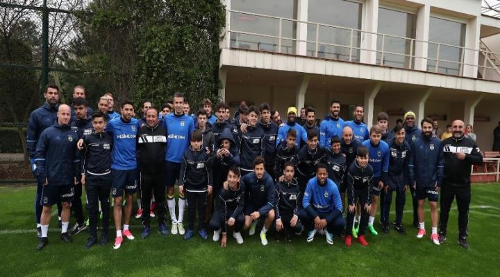 Fenerbahçe Akhisar Hazırlıklarını Sürdürüyor