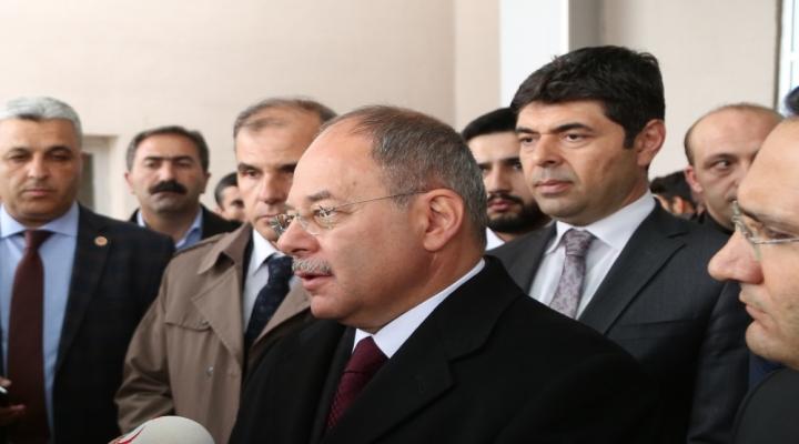 Abdnin Suriye Rejimine Karşı Gösterdiği Doğru Bir Tavırdır