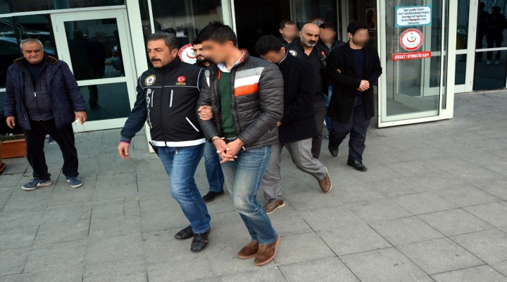 12 İlde Fetö Operasyonu: 13 Gözaltı