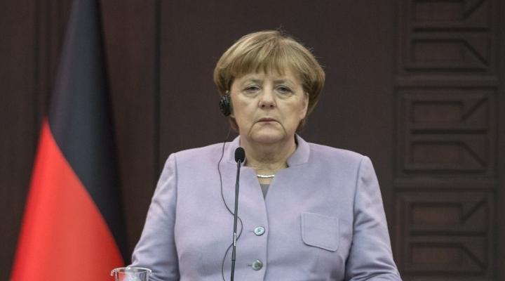 Merkel: Esad Dönemi Sona Erdirilmeli