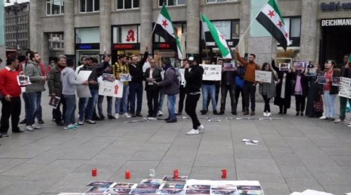Esedin Kimyasal Saldırısı Kölnde Protesto Edildi