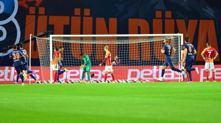 Galatasaraya İlk Yarıda Büyük Şok !