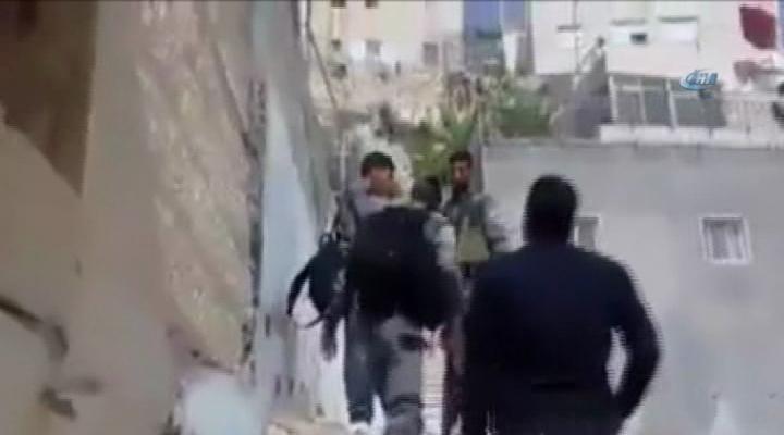 İsrail Askerleri Filistinli 2 Çocuğu Gözaltına Aldı