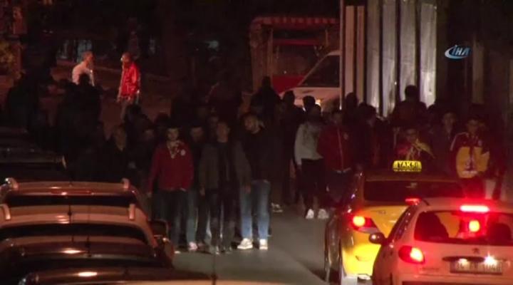 Taraftarlardan Galatasaraya Sert Tepki