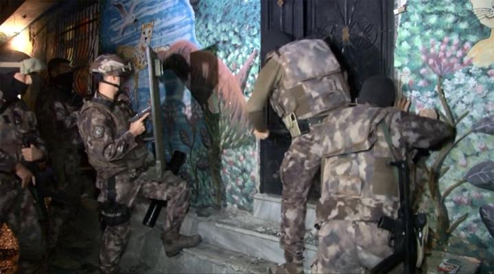 İstanbulda Uyuşturucu Operasyonu: 25 Gözaltı