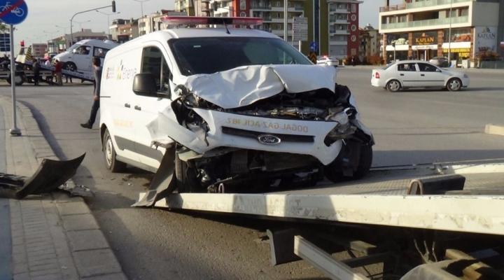 Denizlide Trafik Kazası: 14 Yaralı