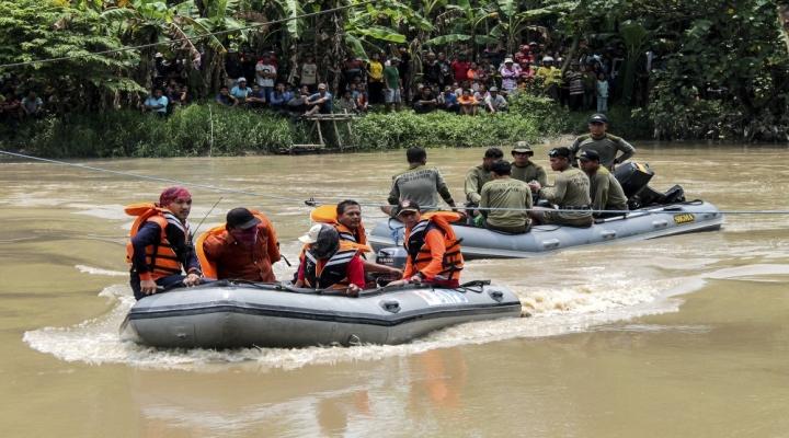 Endonezyada 2 Ayrı Gemi Kazası: 11 Ölü, 5 Kayıp