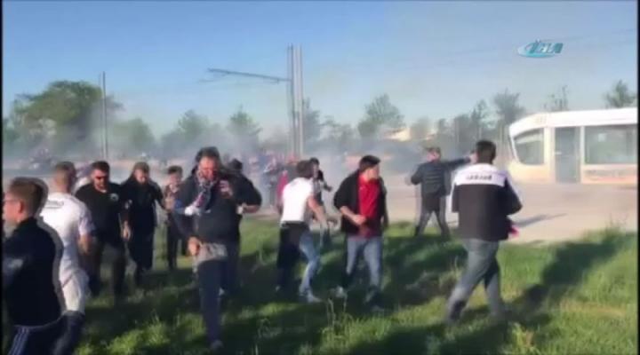 Lyonlu Holiganlar Türk Taraftarlara Saldırdı
