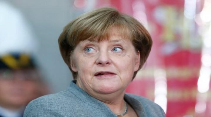 Trump, Merkel ve Macron'la Suriye hakkında konuştu