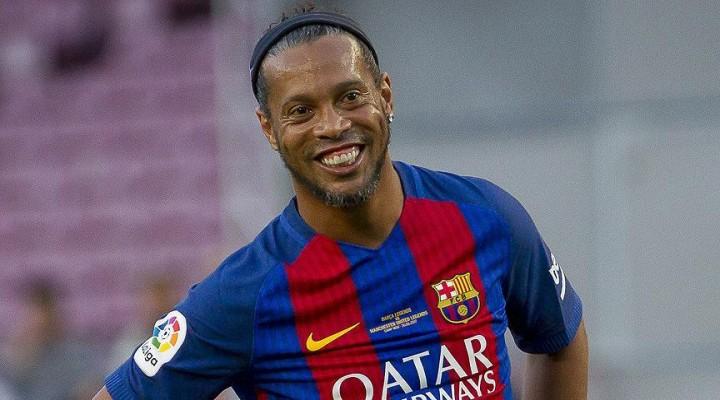 Efsane Futbolcu Ronaldinho Futbolu Bıraktı