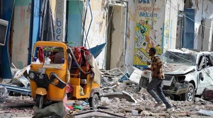 Mogadişuda Bombalı Saldırı: 5 Ölü