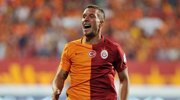 Lukas Podolski: Galatasaray'dan ayrılmayı düşünmüyorum