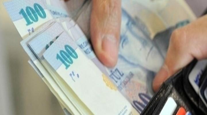 DİSK Genel Başkanı Kani Beko, asgari ücretin net 2 bin 300 lira olması gerektiğini belirtti.