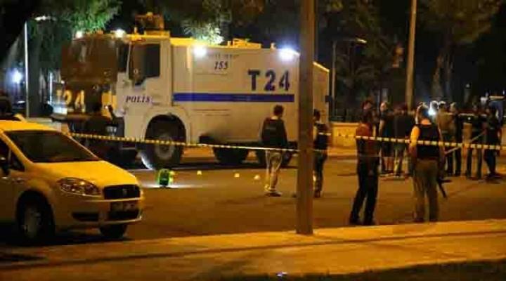 Diyarbakırda Polise Saldırı: 1 Polis Yaralı