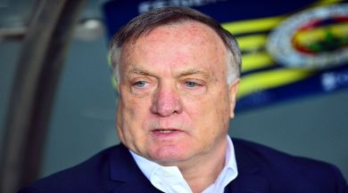 Fenerbahçe Teknik Direktörü Advocaat Bırakıyor Mu ?