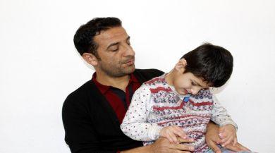 İşitme Engelli 7 Yaşındaki Kızın İlk Sözü 'Baba Oldu