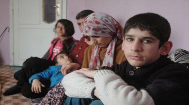 Eşi Ve 2 Çocuğu Gözlerinin Önünde Eriyor