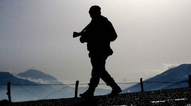 Diyarbakırda Çatışma: 1 Terörist Öldürüldü