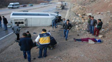 Tokatta Öğrenci Servisi Devrildi: 16 Yaralı